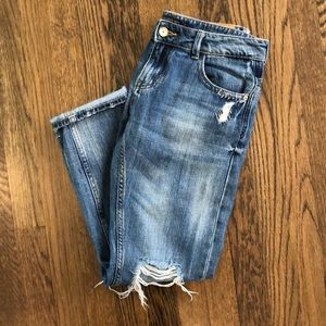 Zara distressed boyfriend style jeans   Size 2